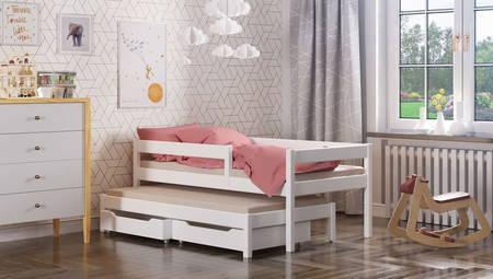 una cama para un niño de madera maciza